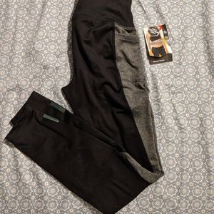 Leggings with side pockets